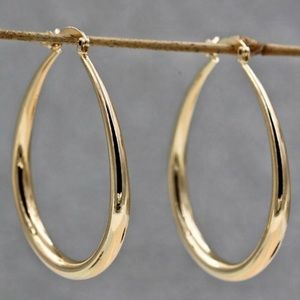 """18K YELLOW GOLD 1.5"""" OVAL HOOPS"""